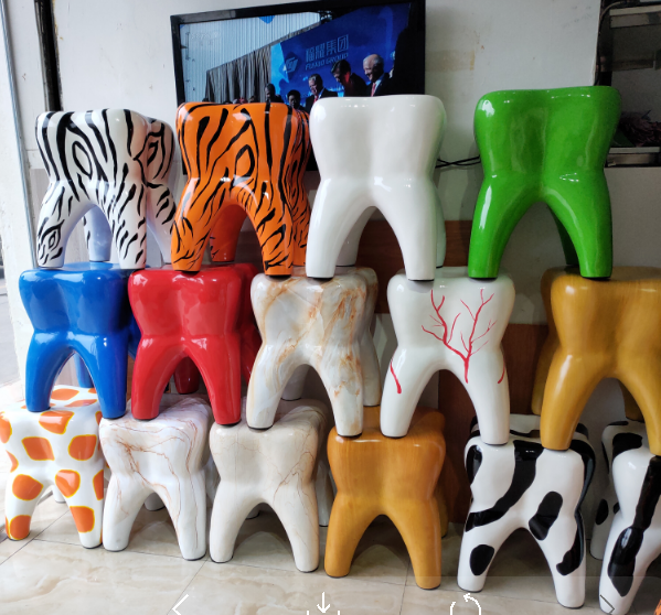 2019 New Design Resin FRP Tooth-shape Cute Table And Chair