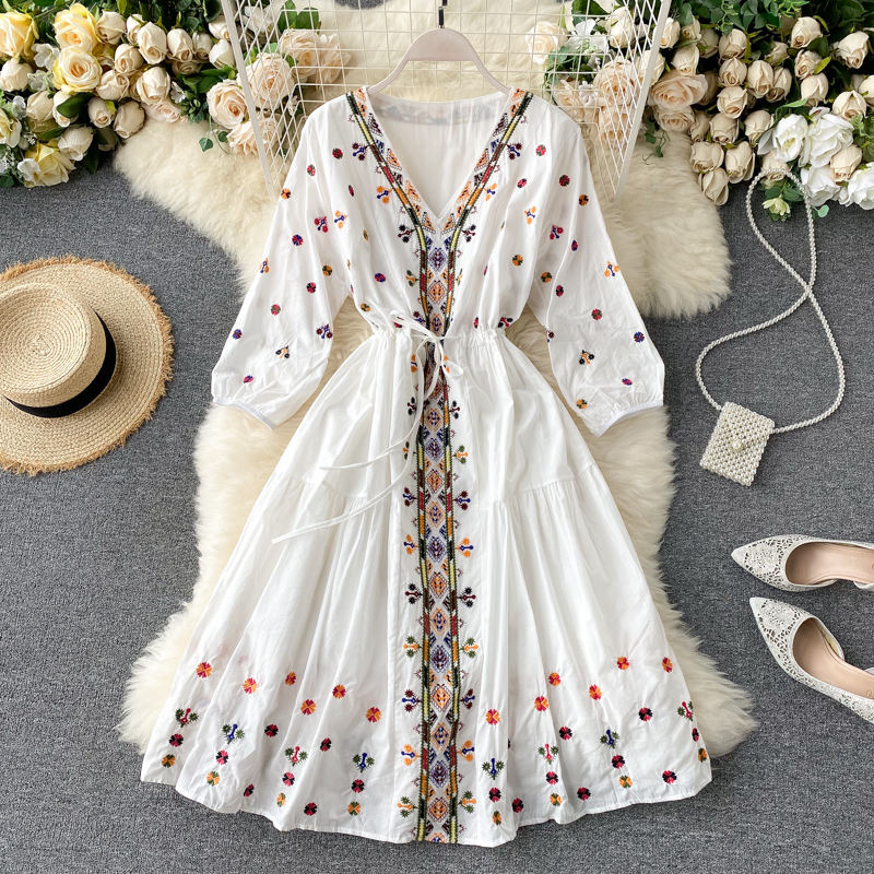 2021 New Casual Holiday Dress Women Clothing Fashion Bohemian Summer Lady Embroidery doll collar Puff sleeve Short Midi Dress
