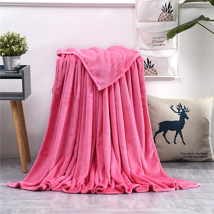 Factory price Customized throw blanket 100%polyester super soft Warm pink fleece blankets