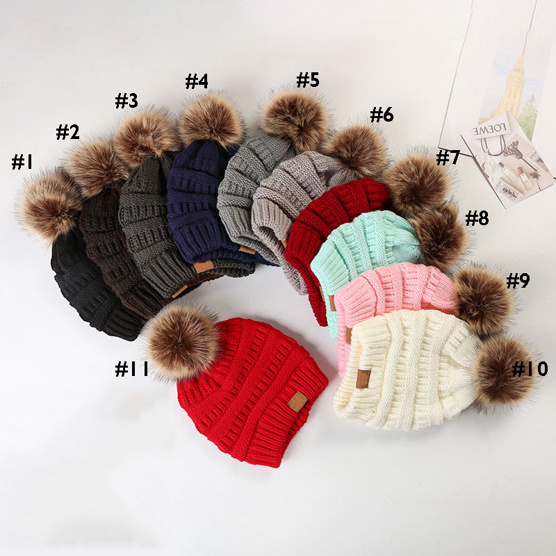 2020 Hot Sale Custom Logo Knitted Knit Cap Korean Winter Beanie Hat With Pom Pom