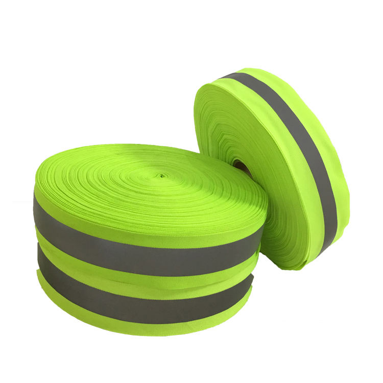 China reflecterende mwterial polyester stof reflector glow in the dark tape custom reflecterende tape