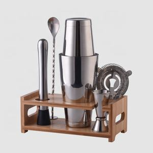 Factory Direct 800ml stainless steel boston bartender cocktail shaker bar tools set with bamboo wood stand