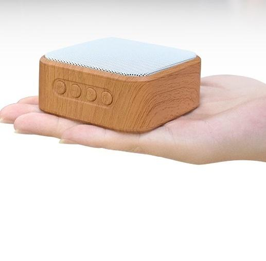 CE Wireless Handsfree Wood Mini Speaker with TF USB Outdoor