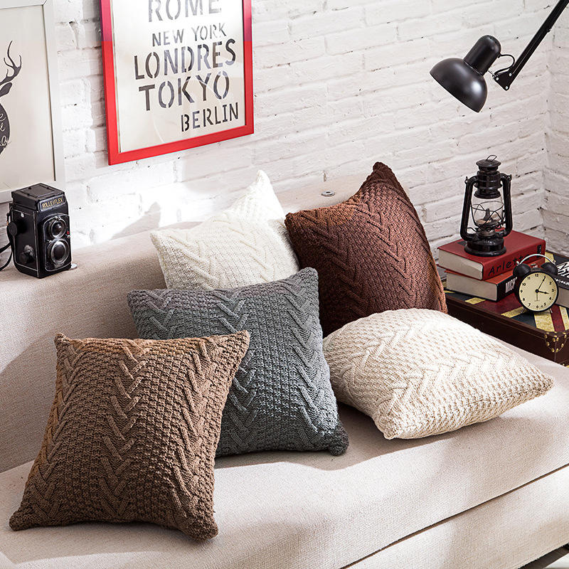 Household Comfortable V-shape Printing Knitted Pillow Warm Cushion Cover