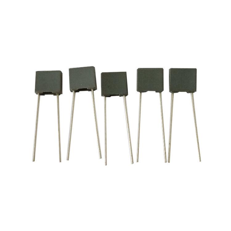 un ± 10/%, Series Mono axial 4700 PF 100 V 10 x Condensador cerámico multicapa
