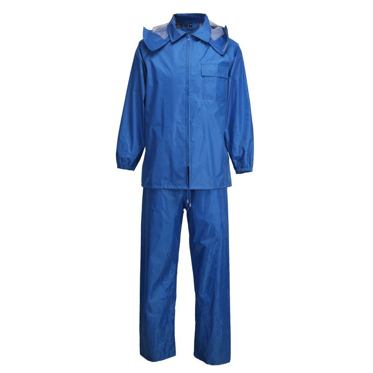 Blue Polyester Rainsuit For Travelling