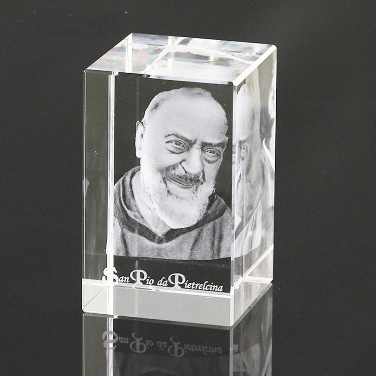 Custom Crystal Cube 3D Laser Engraving Image Glass Cube Craft for Gift