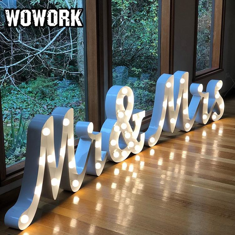WOWORK factory supplier Elegant wedding big size 4ft Mr & Mrs Letter Set for back lit