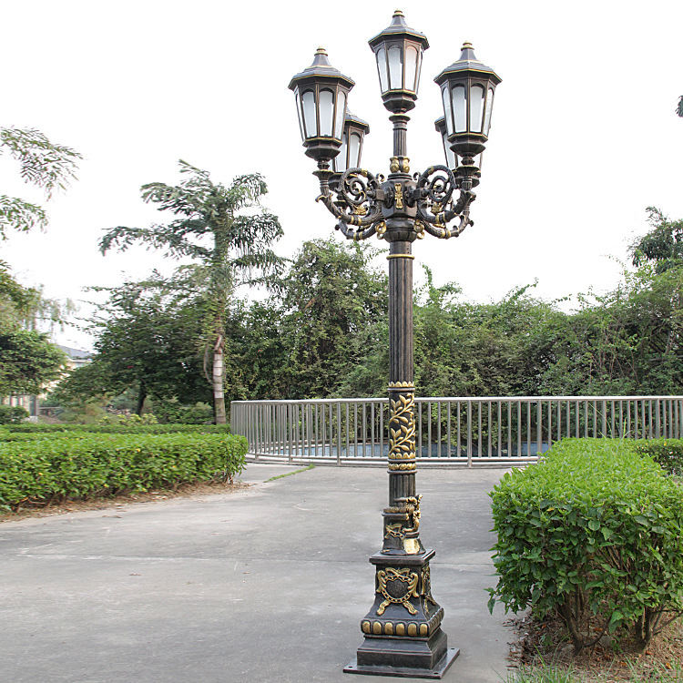 European landscape lamp is suitable for square aluminum alloy thickened anti-collision and anti rust courtyard lamp and light ro