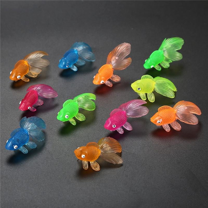 Hot Selling Small Plastic Gold Fish Animal Toys For Vending Capsule