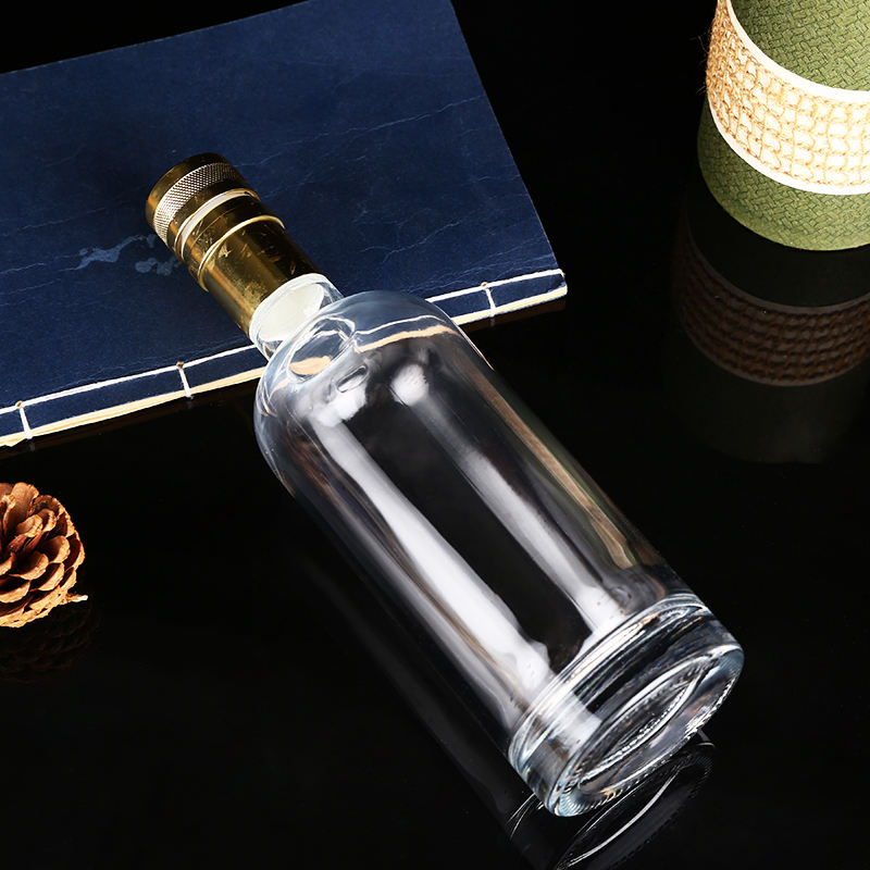 Glass Bottle Wholesaler Top Selling Low Price 500ML Empty Wholesale Glass Wine Bottles