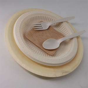 Leaf mango wood paper plate holders for baby