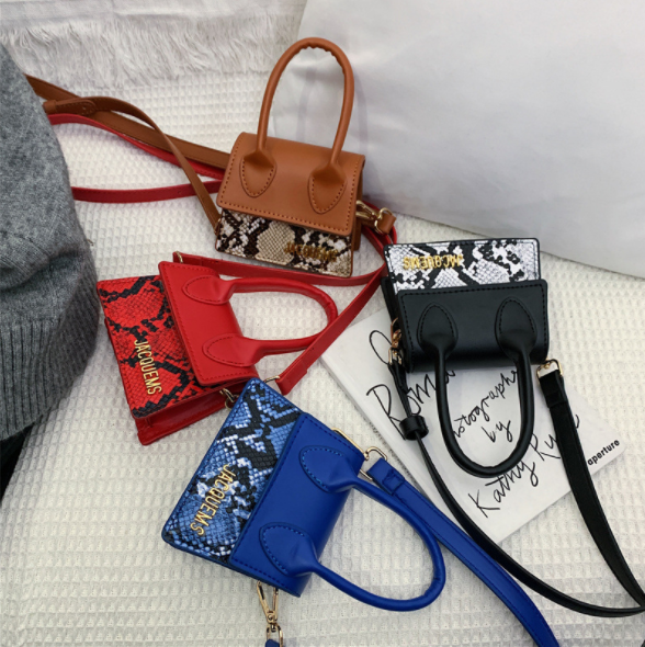 Ins Unique Chic Cute Mini Snake Handbag ,Young Girls Small Bag Shoulder Women Bag Purse 2020