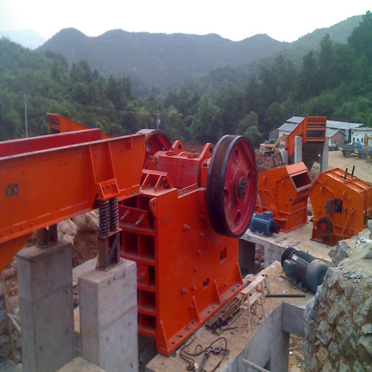 Structurally upgraded rotary crusher for coal mines