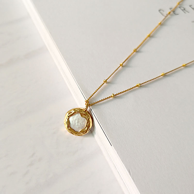 Genuine 9-10mm Natural Akoya Pearl Yellow gold plated Peanut Pendant Necklace