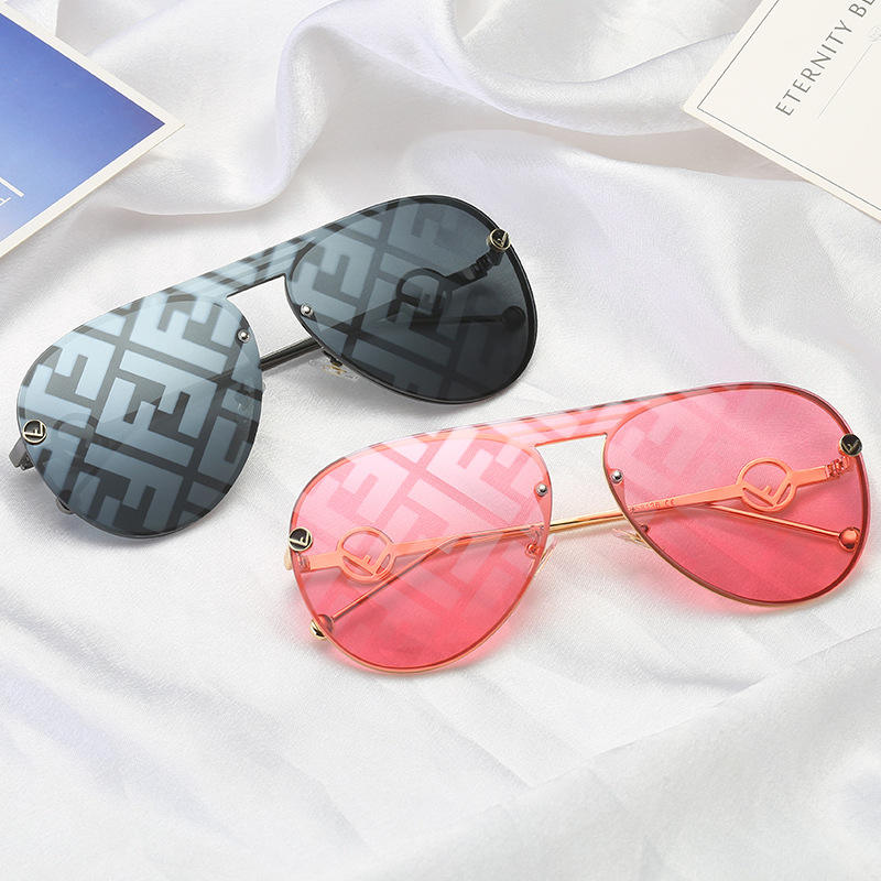 New Fashion Luxury Big Frame Print F Letter V Shaped Frog Trendy Shades Sunglasses Women