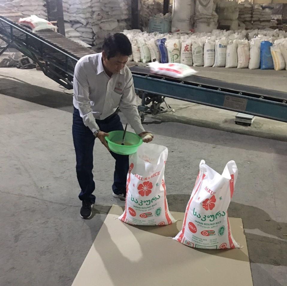 Best price Vietnam long grain white rice 5% broken