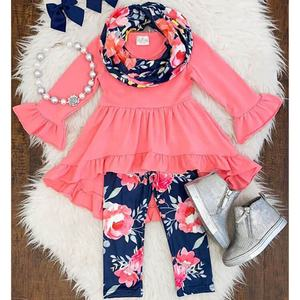Fashion long sleeve girls boutique clothing wholesale Floral print children clothing baby cotton ruffle outfits girls capri sets