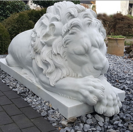 Outdoor Garden Decoration Western Style Hand Carved Natural Stone White Marble Sleeping Lion Statue
