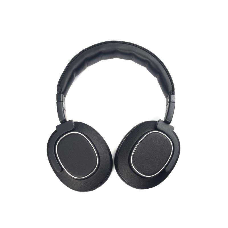 Active cancellation with high-performance sound and long playback time rotatable headphone