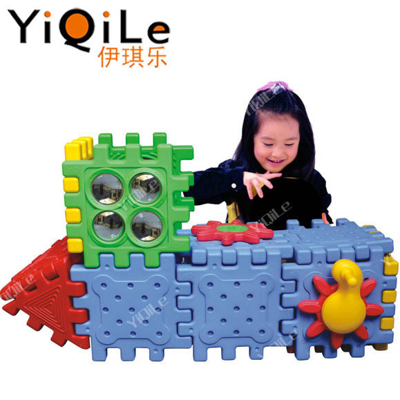 Hot sale dream building blocks kids play toys use import plastic materials