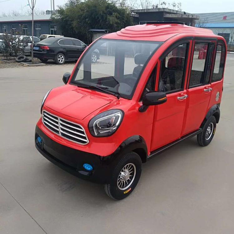 New energy low speed mini electric car / vehicle with solar panel