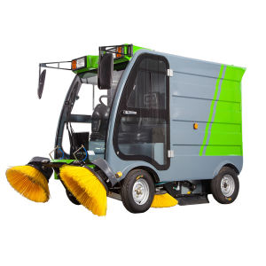 S16 Comfortable cab car cleaning machine road sweeper