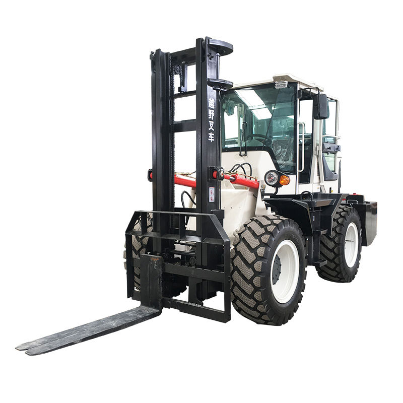 Improved-Type 4 Ton Forklift Weight 4x4 Diesel Forklift/Transportation Vehicle