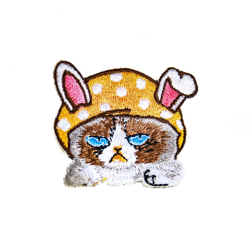 China Manufacture High Quality Cute Hat Rabbit Embroidery Patch Clothes Bag Iron on Patch