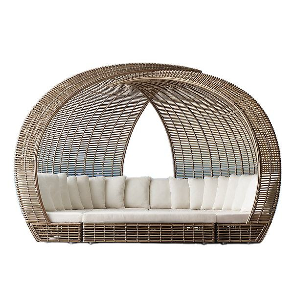 Outdoor good quality half round rattan daybed wicker patio furniture daybed with soft cushion/garden sunbed