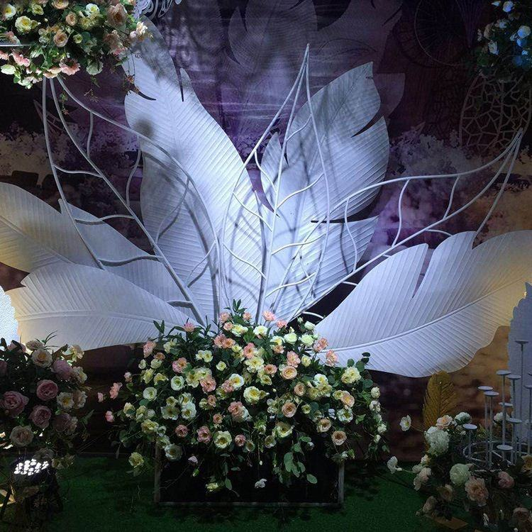 Elegant style Metal material wedding stage Leaves decoration backdrop stand