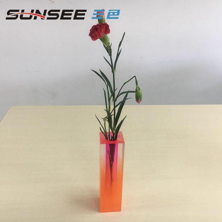 Al por mayor personalizado sola china Flor de plexiglás Rosa caso de tiempo florero para casa hotel
