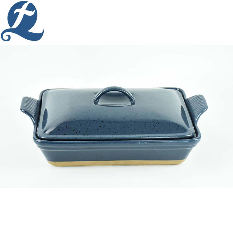 Home used kitchenware solid color ceramics handle bakeware with lid