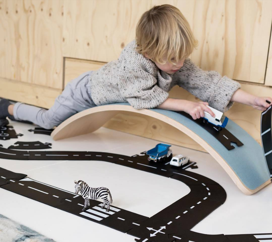 Toy Road Set, Expressway Black with White Striping, Flexible Race Track Toy Road Set for Toy Cars china toy train set