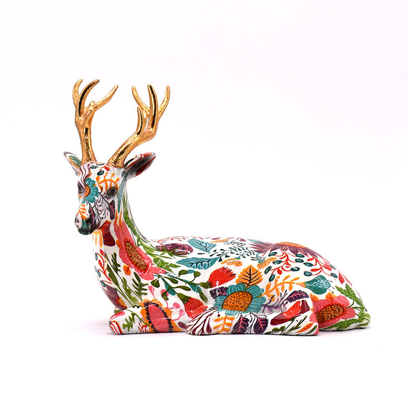 Modem Decorative antique resin water decal resin sitting reindeer figurine for home furnishing decoration