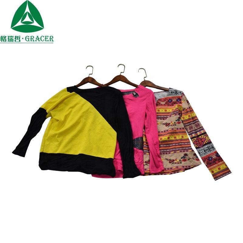 Polyester phụ nữ quần áo dài tay áo áo thun người mua thứ hai tay quần áo sử dụng quần áo