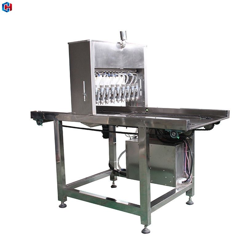 Automatic bakery equipment oil sprayer for cake tray injection molding machine biscuit oil spray machine