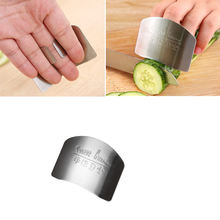 Wholesale Hot selling 2020 Kitchen gadgets Stainless Steel Kitchen Cutting Tools Finger Protector Finger Guard