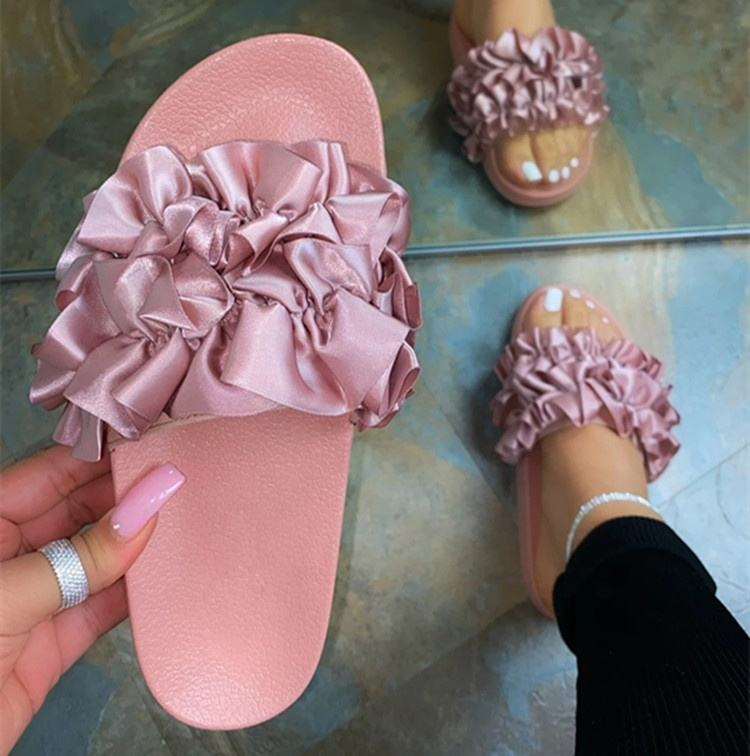 2021 Ins Hot Women Pink Ruffle Material Slip On Platform Slippers Ladies High Quality Home Beach Sandals