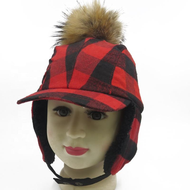 Hot Selling Custom Rode Plaid Nep Bont Warme Baby Baseball Cap Met Oren En Nek Flap Pom Pom Winter Hoeden voor Kids