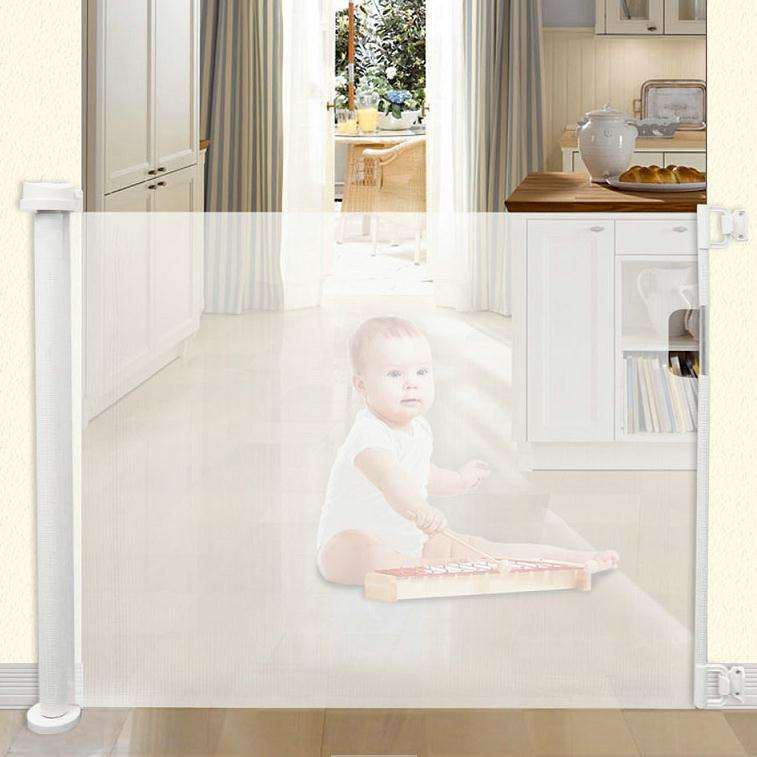 Baby safety supplier pet friendly baby gate retractable fence gate