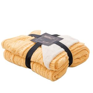 Factory Wholesale luxury Knit 100% acrylic cable knit with sherpa mink fleece throw blanket double layer thick warm