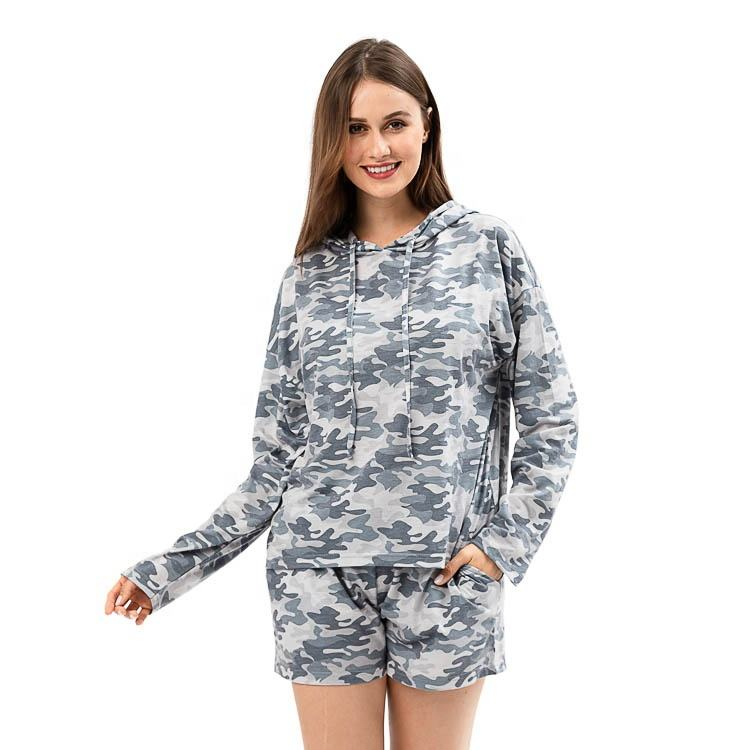 Yiwu Wholesale Women's Camo Print Two Piece Set With Hoodie
