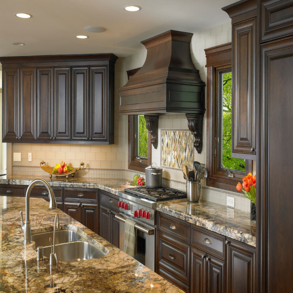Customized Size Shaker Door Solid Wood Kitchen + Cabinets