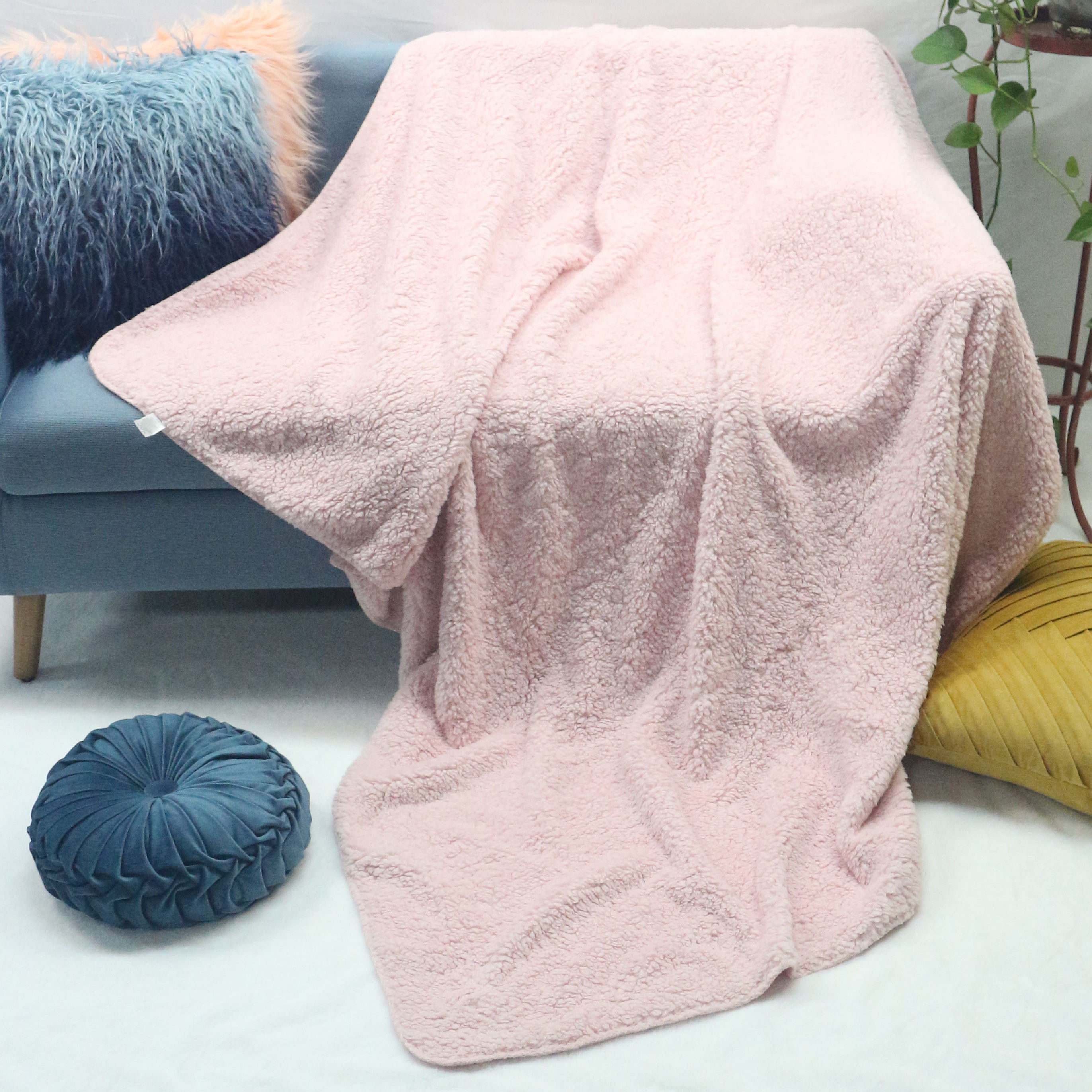 Made in china native blankets custom logo king size bed mesh polyester outdoor sherpa throw blanket fleece
