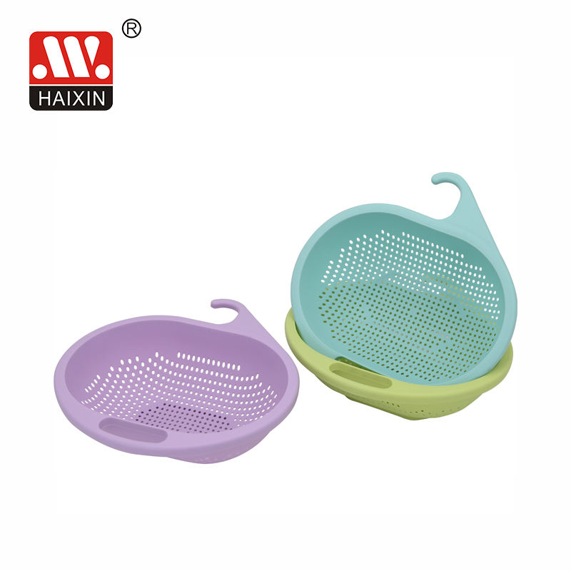 Chinese Manufacturer Directly Sale unique plastic sink colander with hanging hook for fruit strainer 9339
