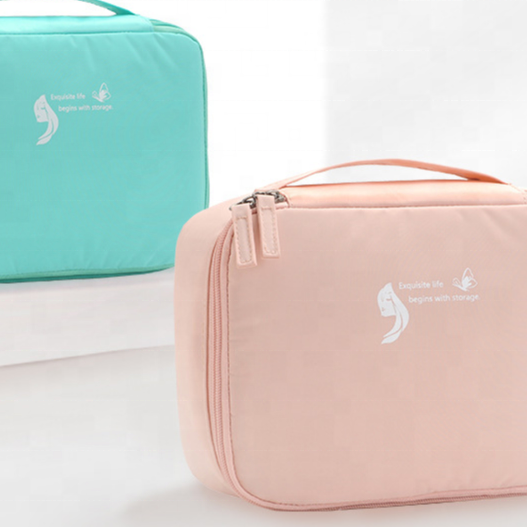Fashion well organized storage of personal accessories cube traveling bag for girls wholesale