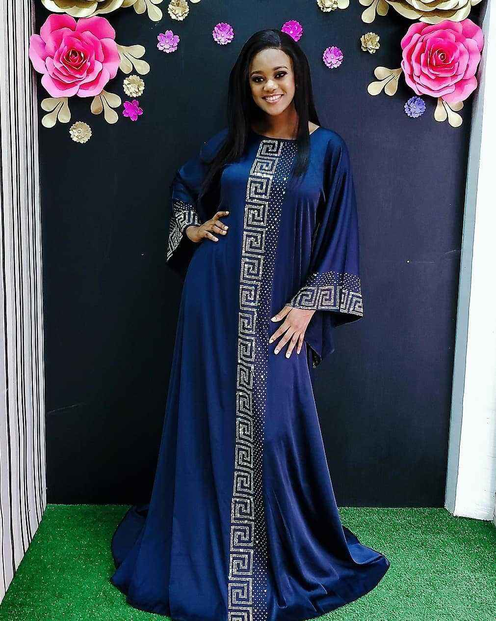 Wholesale Dubai Muslim Islamic Style Women Plus Size Robe Hot Drilling Soft Emulation Silk Women Abaya Dress