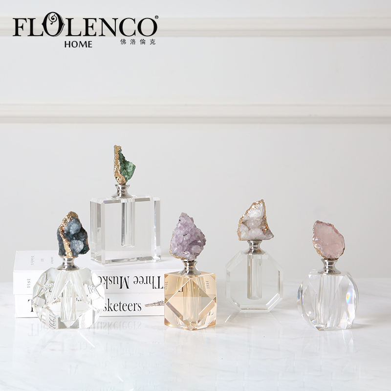 Stock modern empty clear crystal perfume bottles for gift