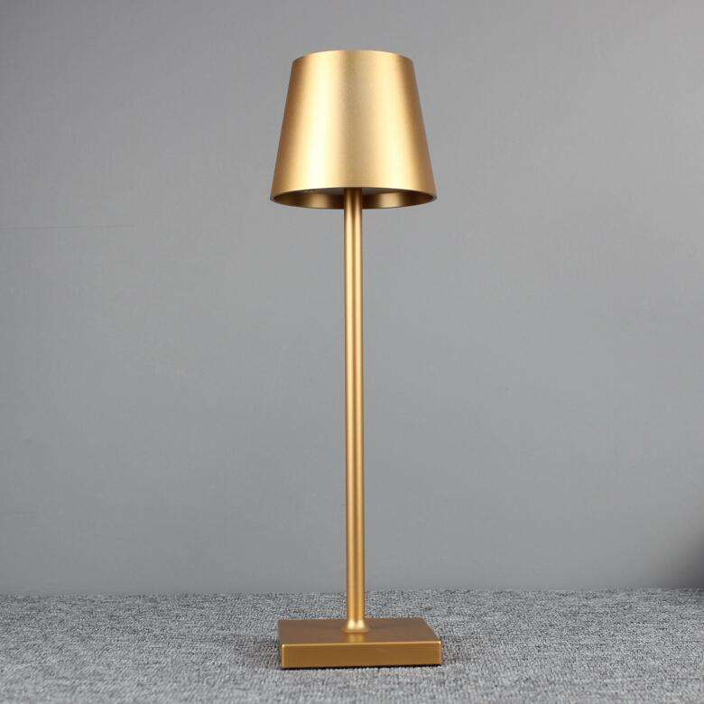 2020 Latest Rechargeable Bedside Table Lamp Cordless Dinner Light Aluminium Table Lamp Restaurant With Base And Shade